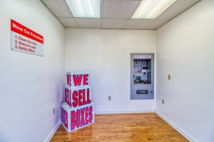 Image of Your Extra Closet - West Facility on 476 Mississippi 6  in Oxford, MS - View 4