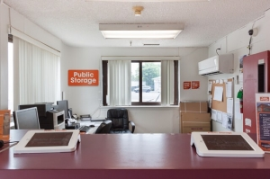 Image of Public Storage - Hempstead - 817 Peninsula Blvd Facility on 817 Peninsula Blvd  in Hempstead, NY - View 3