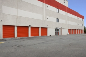 Image of Public Storage - Hempstead - 817 Peninsula Blvd Facility on 817 Peninsula Blvd  in Hempstead, NY - View 2