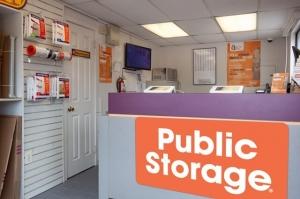 Image of Public Storage - Philadelphia - 1431 Ivy Hill Road Facility on 1431 Ivy Hill Road  in Philadelphia, PA - View 3