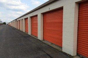 Image of Public Storage - Indianapolis - 5151 Pike Plaza Facility on 5151 Pike Plaza  in Indianapolis, IN - View 2