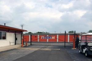 Image of Public Storage - Livonia - 12900 Newburgh Road Facility on 12900 Newburgh Road  in Livonia, MI - View 4
