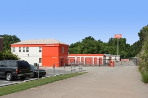 Public Storage - Columbia - 3901 River Drive - Photo 1