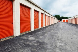 Image of Public Storage - Southfield - 19350 W 8 Mile Rd Facility on 19350 W 8 Mile Rd  in Southfield, MI - View 2