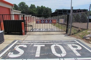 Image of Public Storage - Raleigh - 5602 Capital Blvd Facility on 5602 Capital Blvd  in Raleigh, NC - View 4