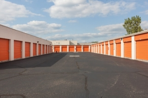 Image of Public Storage - Troy - 1404 E Big Beaver Road Facility on 1404 E Big Beaver Road  in Troy, MI - View 2