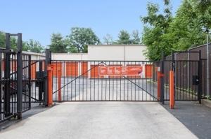 Image of Public Storage - Philadelphia - 7571 Ridge Ave Facility on 7571 Ridge Ave  in Philadelphia, PA - View 4