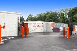 Image of Public Storage - Spring Valley - 7 S Pascack Road Facility on 7 S Pascack Road  in Spring Valley, NY - View 4
