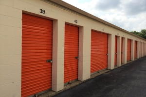 Image of Public Storage - Indianapolis - 5505 Elmwood Ave Facility on 5505 Elmwood Ave  in Indianapolis, IN - View 2