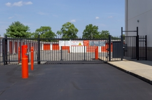 Image of Public Storage - West Babylon - 821 Sunrise Hwy Facility on 821 Sunrise Hwy  in West Babylon, NY - View 4