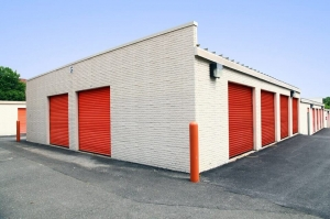Public Storage - Capitol Heights - 8701 Central Ave - Photo 2