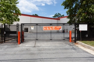 Image of Public Storage - Baltimore - 820 Kent Ave Facility on 820 Kent Ave  in Baltimore, MD - View 4