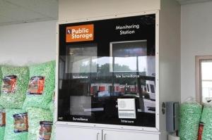 Image of Public Storage - Indianapolis - 4305 W 86th Street Facility on 4305 W 86th Street  in Indianapolis, IN - View 4
