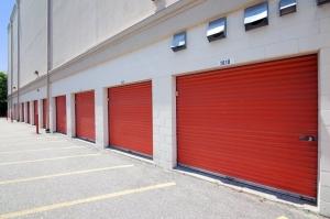 Image of Public Storage - Syosset - 18 W Jericho Turnpike Facility on 18 W Jericho Turnpike  in Syosset, NY - View 2
