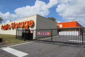 Image of Public Storage - Hyattsville - 5556 Tuxedo Rd Facility on 5556 Tuxedo Rd  in Hyattsville, MD - View 4