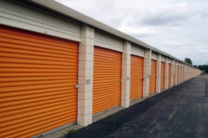 Image of Public Storage - Mt Clemens - 111 S Groesbeck Hwy Facility on 111 S Groesbeck Hwy  in Mt Clemens, MI - View 2