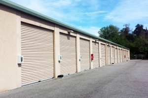 Image of Public Storage - Hilton Head Island - 69 Mathews Dr Facility on 69 Mathews Dr  in Hilton Head Island, SC - View 2