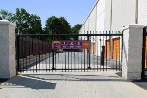 Image of Public Storage - Hempstead - 285 Peninsula Blvd Facility on 285 Peninsula Blvd  in Hempstead, NY - View 4