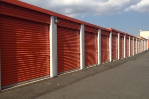 Public Storage - Hillside - 625 Glenwood Ave - Photo 2