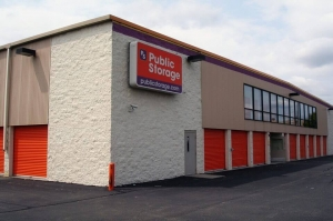 Image of Public Storage - Roseville - 30340 Gratiot Ave Facility on 30340 Gratiot Ave  in Roseville, MI - View 2