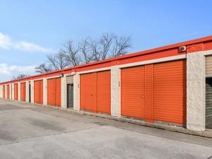 Image of Public Storage - Burbank - 6990 W 79th Street Facility on 6990 W 79th Street  in Burbank, IL - View 2
