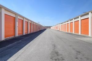 Image of Public Storage - Bensenville - 556 North York Road Facility on 556 North York Road  in Bensenville, IL - View 2