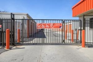 Image of Public Storage - Bensenville - 556 North York Road Facility on 556 North York Road  in Bensenville, IL - View 4