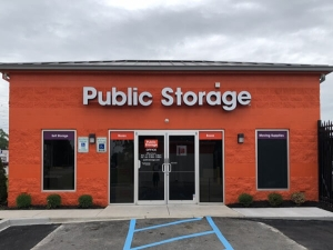 Image of Public Storage - Louisville - 3818 Bardstown Rd Facility at 3818 Bardstown Rd  Louisville, KY