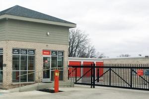 Public Storage - Indianapolis - 6910 Waterfront Drive - Photo 4