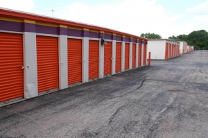 Image of Public Storage - Mission - 6560 Foxridge Drive Facility on 6560 Foxridge Drive  in Mission, KS - View 2
