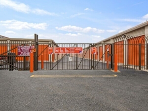 Image of Public Storage - Chicago - 2638 N Pulaski Road Facility on 2638 N Pulaski Road  in Chicago, IL - View 4