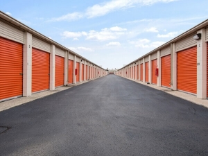 Image of Public Storage - Chicago - 2638 N Pulaski Road Facility on 2638 N Pulaski Road  in Chicago, IL - View 2