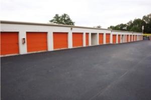 Public Storage - Memphis - 4910 Poplar Ave - Photo 2