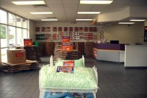 Image of Public Storage - Memphis - 4910 Poplar Ave Facility on 4910 Poplar Ave  in Memphis, TN - View 3