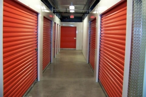 Image of Public Storage - Hicksville - 800 S Oyster Bay Rd Facility on 800 S Oyster Bay Rd  in Hicksville, NY - View 2