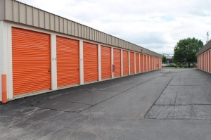 Image of Public Storage - West Allis - 11122 W Lincoln Ave Facility on 11122 W Lincoln Ave  in West Allis, WI - View 2