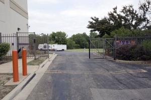 Public Storage - Hanover Park - 2620 W Lake Street - Photo 4