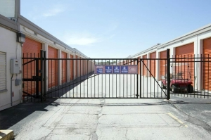 Public Storage - Rolling Meadows - 945 Rohlwing Road - Photo 4