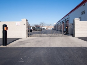 Image of Public Storage - Glenview - 3320 W Lake Ave Facility on 3320 W Lake Ave  in Glenview, IL - View 4