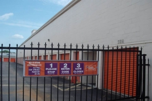 Image of Public Storage - Nashville - 450 McNally Drive Facility on 450 McNally Drive  in Nashville, TN - View 4
