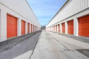 Public Storage - Darien - 1001 N Frontage Road - Photo 2