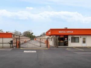 Image of Public Storage - Merrionette Park - 11644 S Kedzie Ave Facility on 11644 S Kedzie Ave  in Merrionette Park, IL - View 4