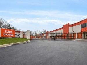 Image of Public Storage - Burr Ridge - 341 S Frontage Road Facility at 341 S Frontage Road  Burr Ridge, IL