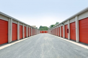 Image of Public Storage - Chicago - 1001 W 111th Street Facility on 1001 W 111th Street  in Chicago, IL - View 2