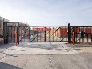 Public Storage - Broadview - 2040 S 25th Ave - Photo 4