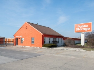 Image of Public Storage - Broadview - 2040 S 25th Ave Facility at 2040 S 25th Ave  Broadview, IL
