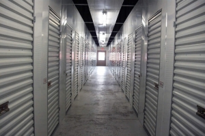 Public Storage - Memphis - 2130 Sycamore View Road - Photo 2
