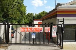 Image of Public Storage - Kansas City - 6600 State Ave Facility on 6600 State Ave  in Kansas City, KS - View 4