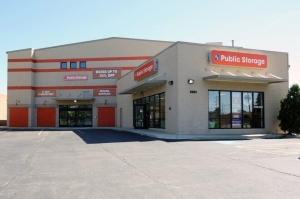 Image of Public Storage - Lincolnwood - 3501 W Touhy Ave Facility at 3501 W Touhy Ave  Lincolnwood, IL