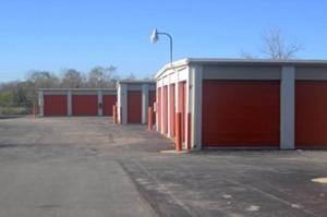 Image of Public Storage - Hazelwood - 6030 N Lindbergh Blvd Facility on 6030 N Lindbergh Blvd  in Hazelwood, MO - View 2